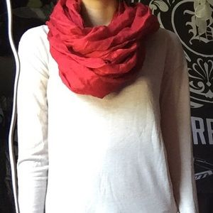 5/$25⭐️ red calvin klein infinity scarf
